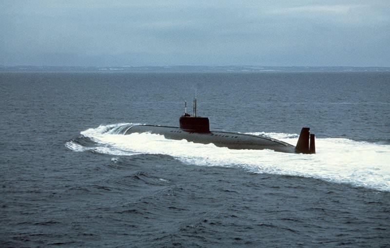 золотая подводная лодка